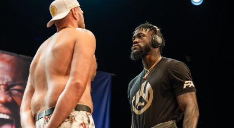 El Campeón Mundial Invicto del Peso Pesado Tyson Fury Se Mide Ante El Ex Campeón Deontay Wilder en Las Vegas