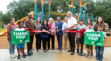 Mayor Turner and 50/50 Park Partners Celebrate New Playground at Hartman Park